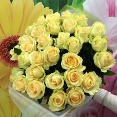 35 персиковых роз