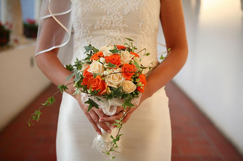 На свадьбу дарят букет невестам цветы купить в днепропетровске